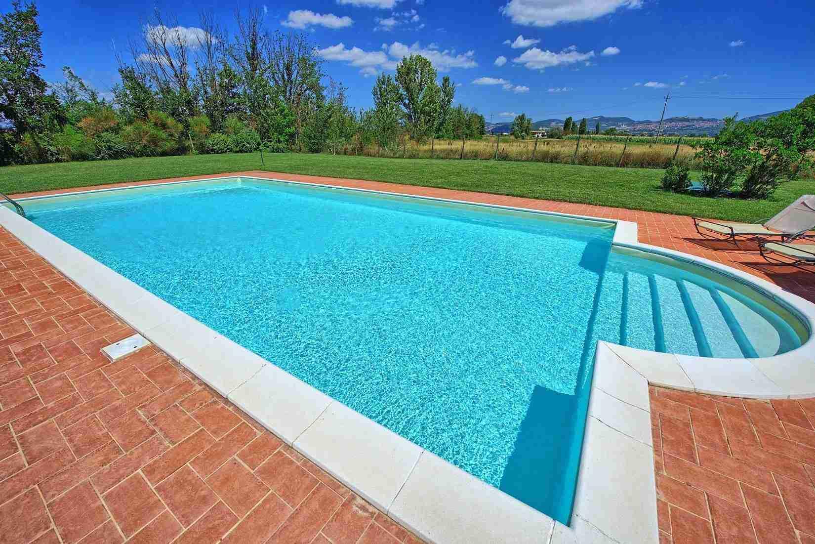 7 Assisi pool