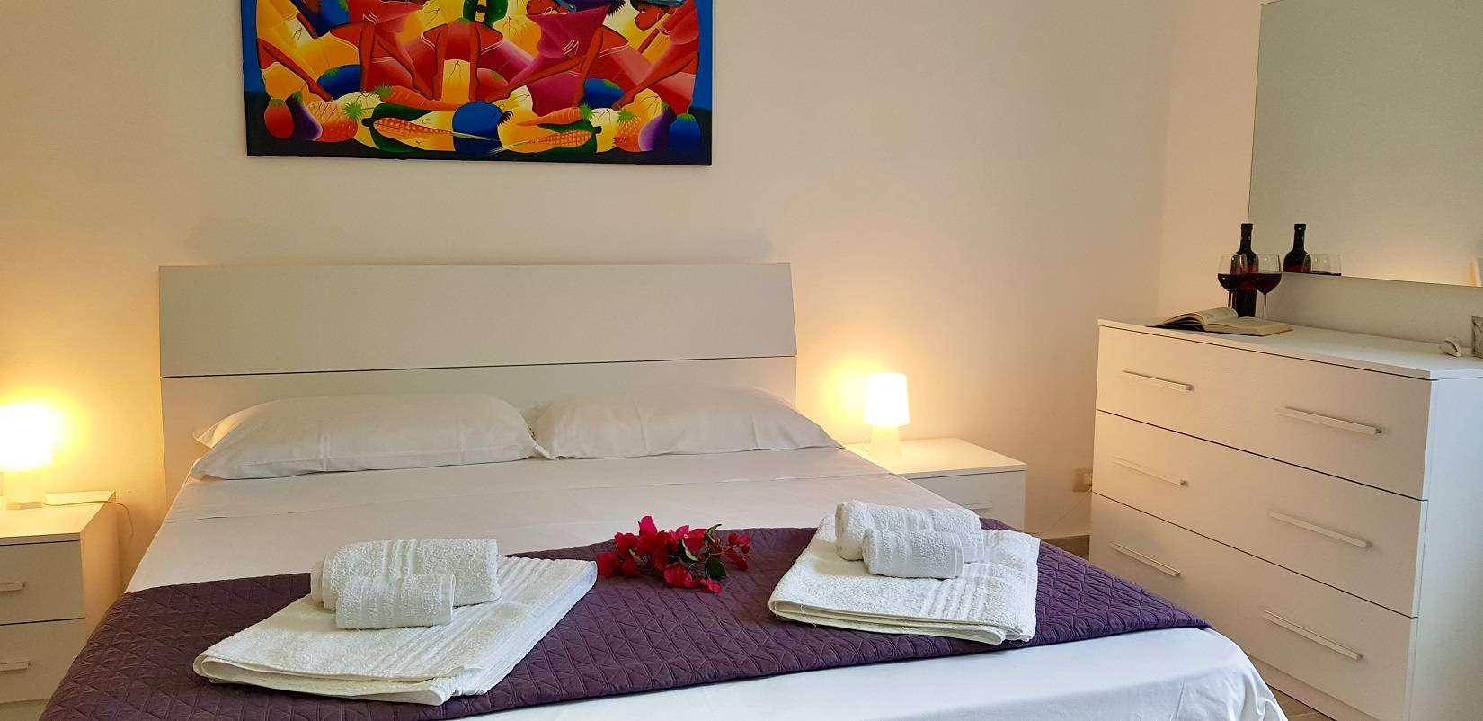 7 Delfina Double Bedroom