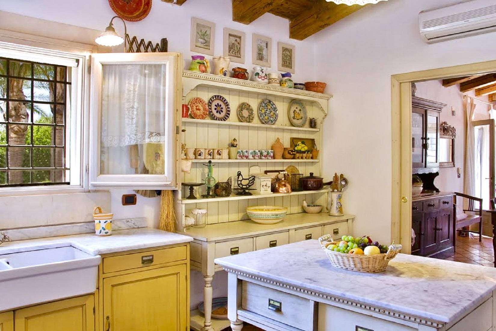 7 Lucia Kitchen