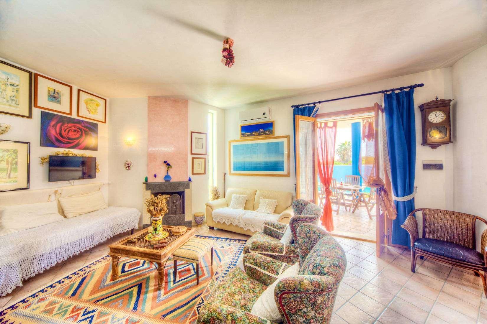 8 Brucarella Living room