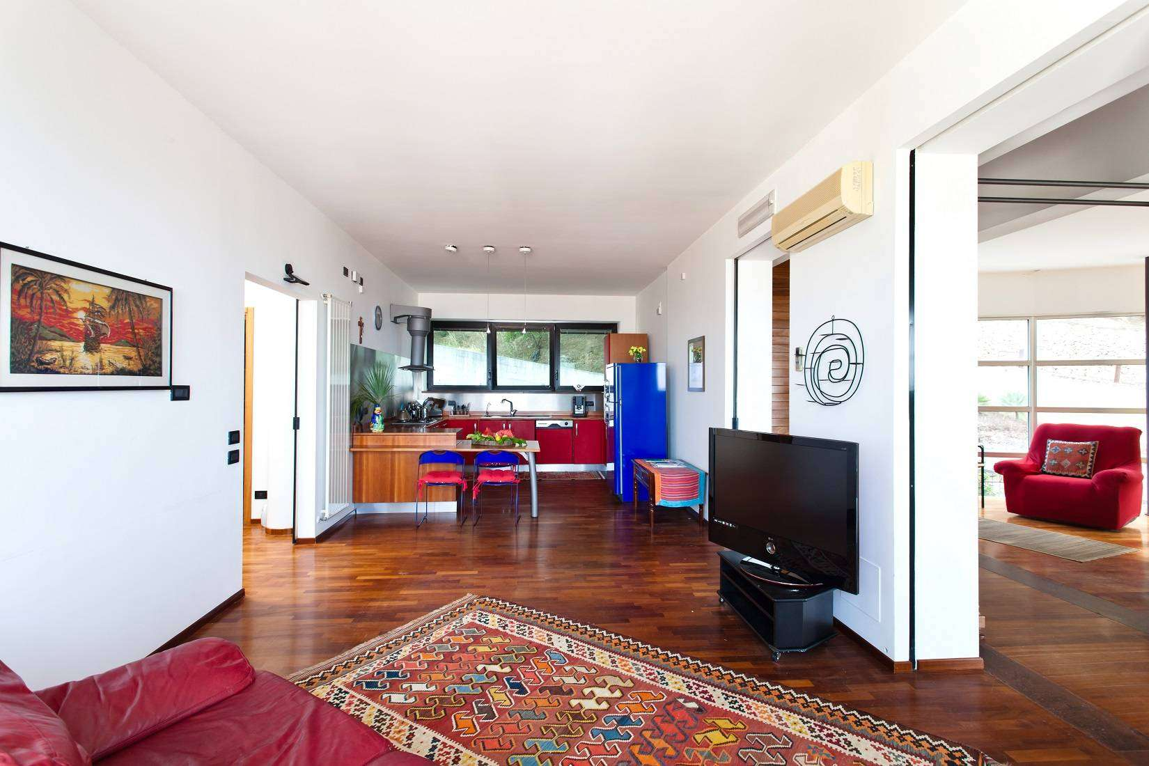 8 Infinity Kitchen-Living room