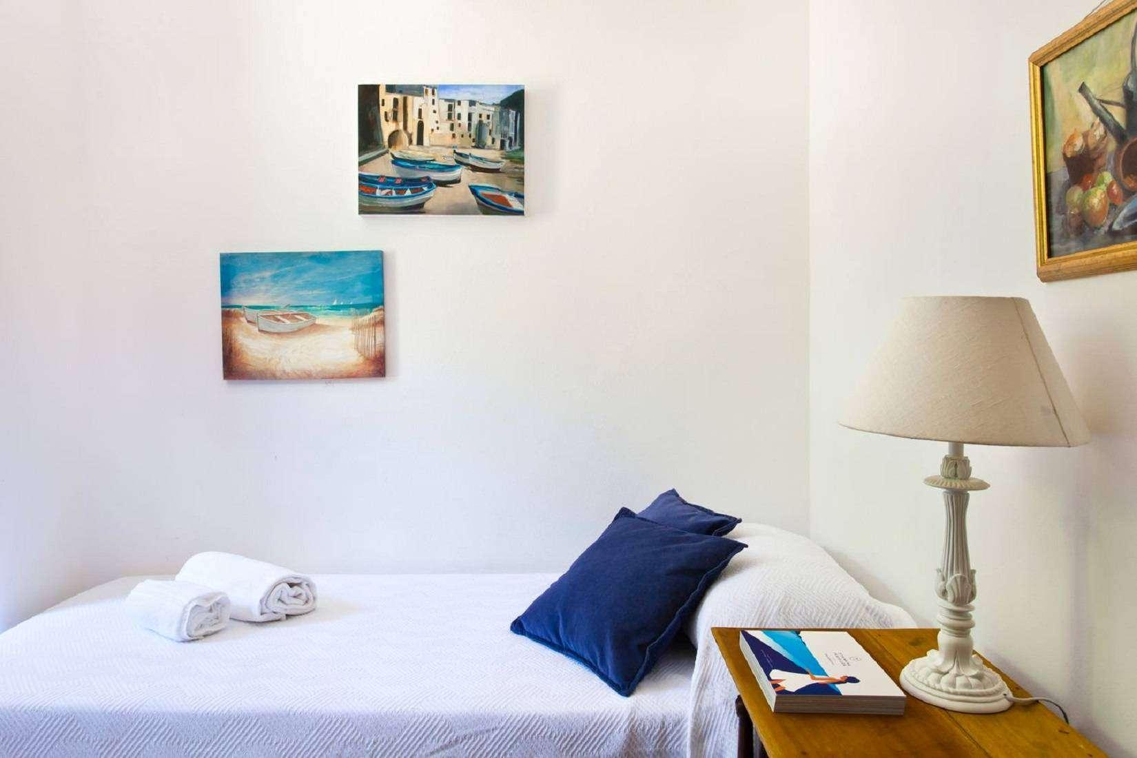 8 La Rocca Single bedroom