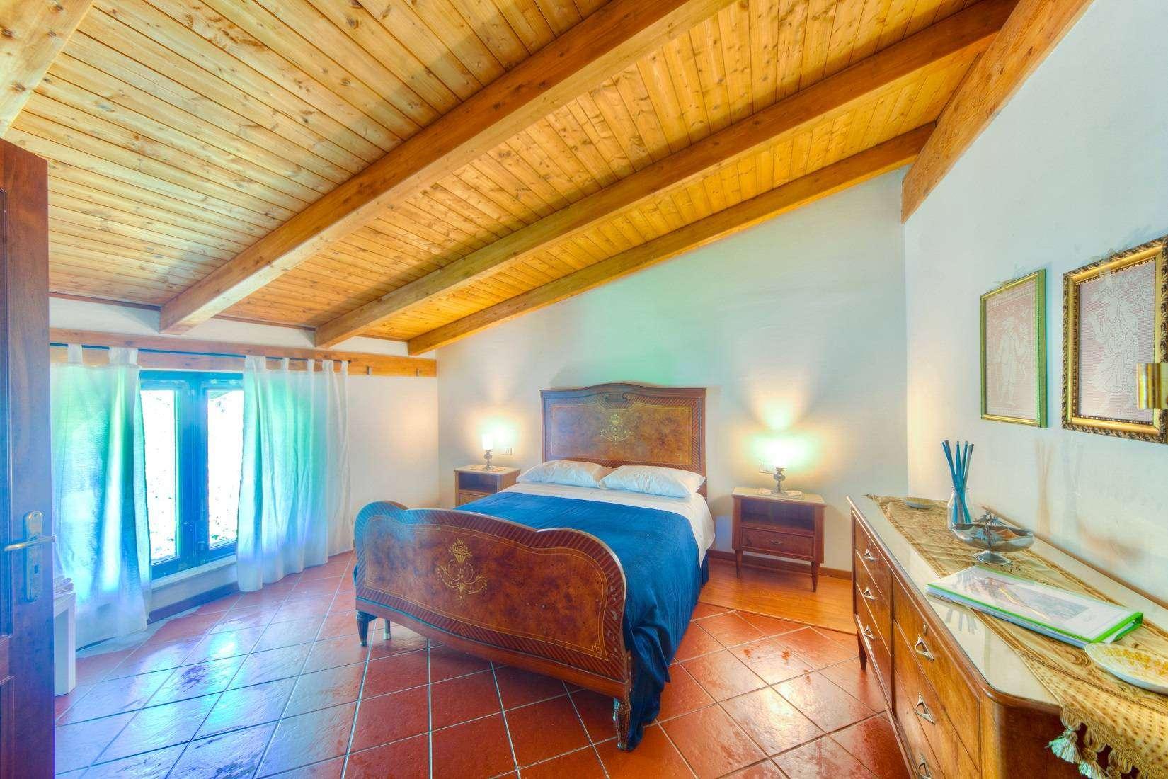 8 Rustica Bedroom