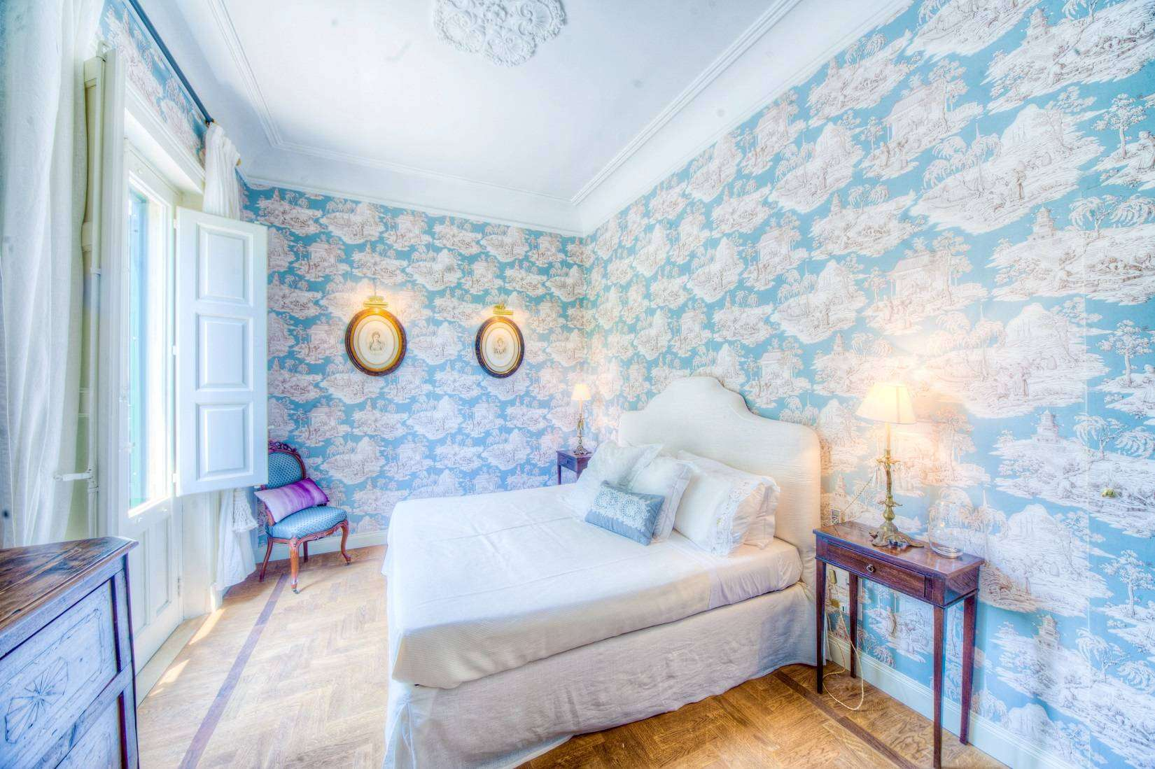 9 Rose Double bedroom