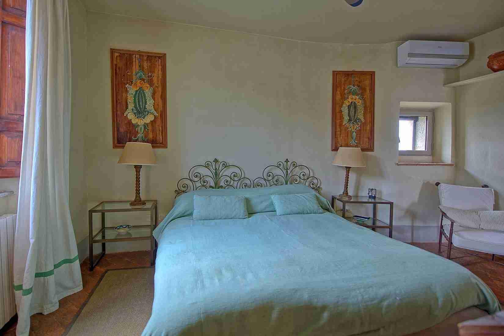 19 Mura del Bastione Double Bedroom 2