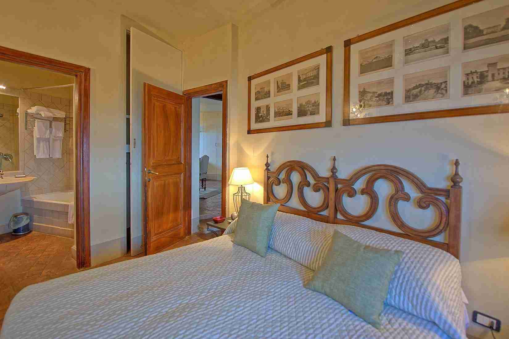 25 Mura del Bastione Double Bedroom with ensuite