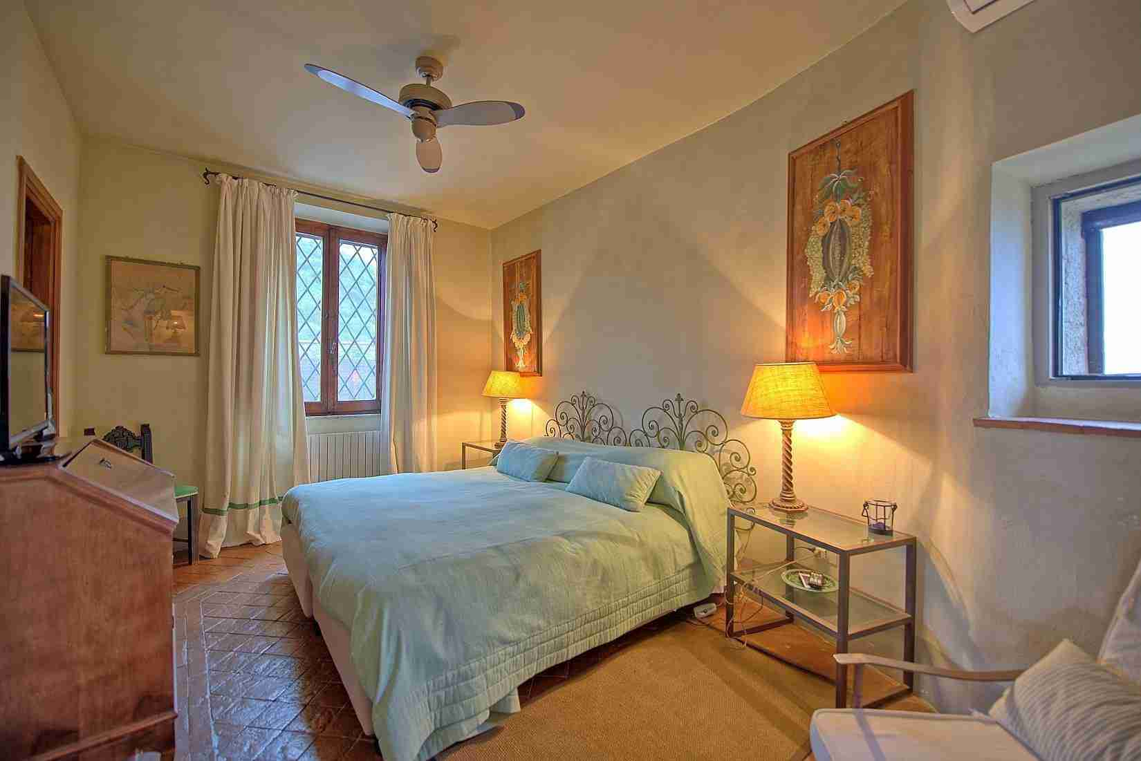 18 Mura del Bastione Double Bedroom