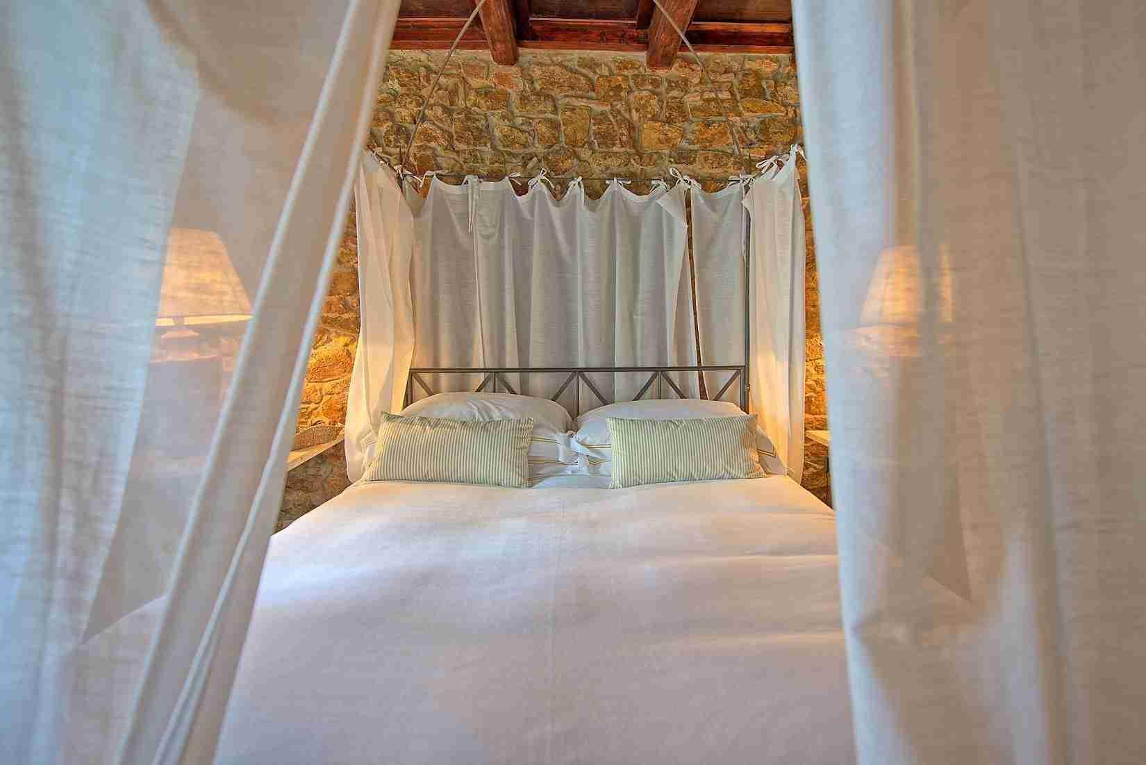 15 Mura del Bastione Master Bedroom 2