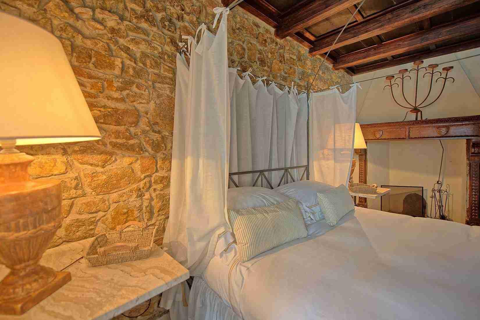 14 Mura del Bastione Master Bedroom Detail