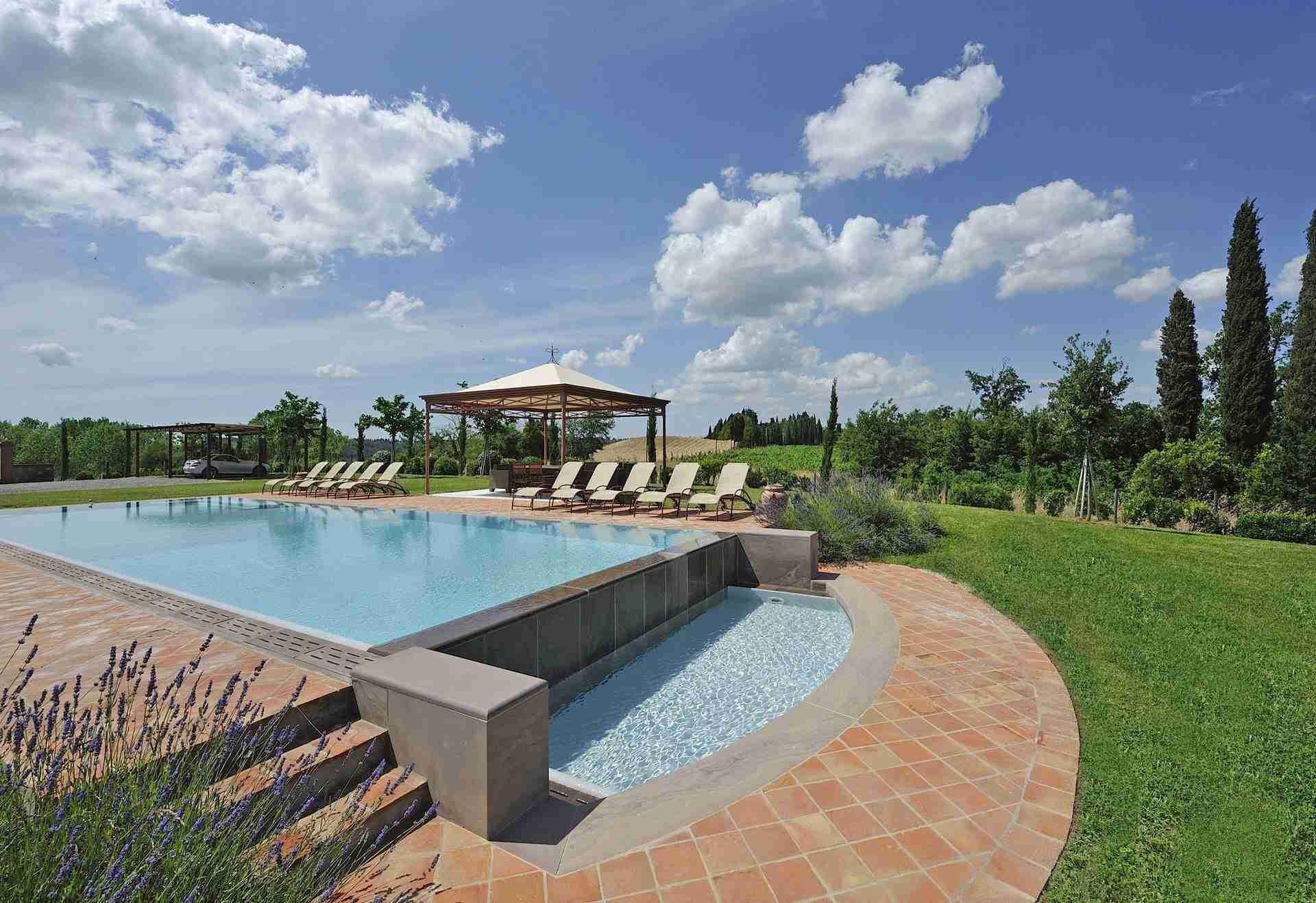 21 Dante Outdoor Pool