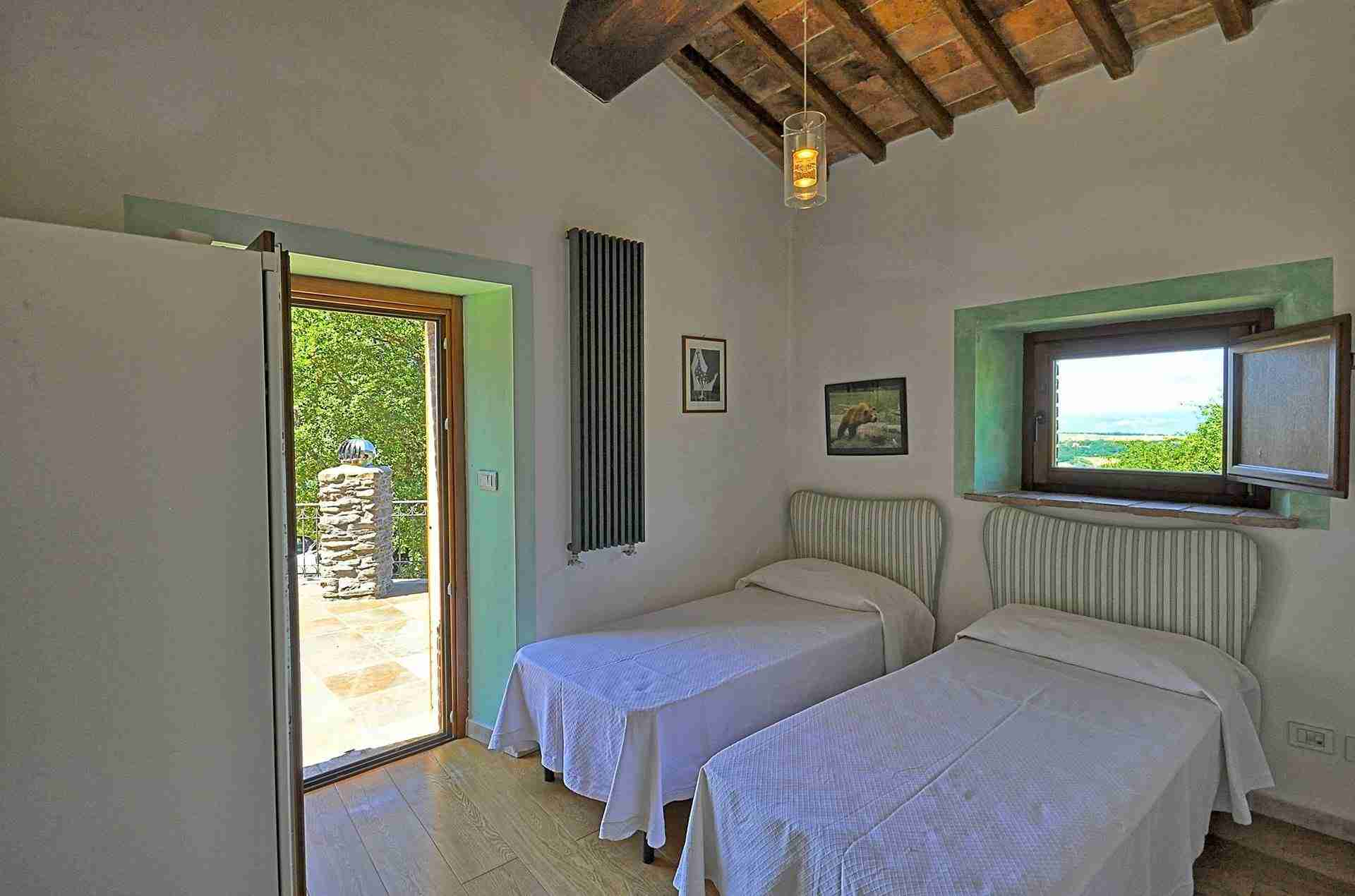 13 Perugini twin bedroom