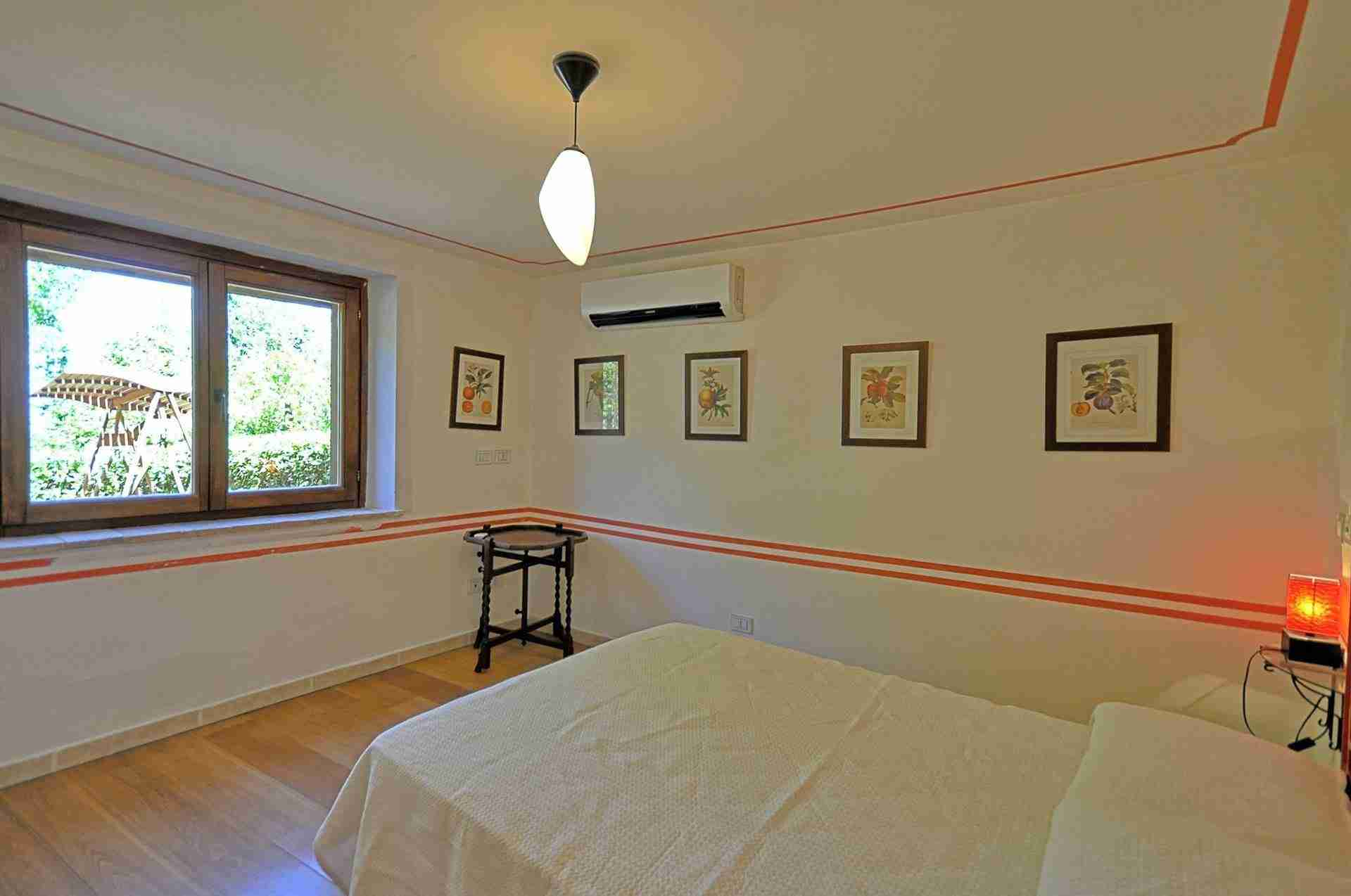 12 Perugini double bedroom