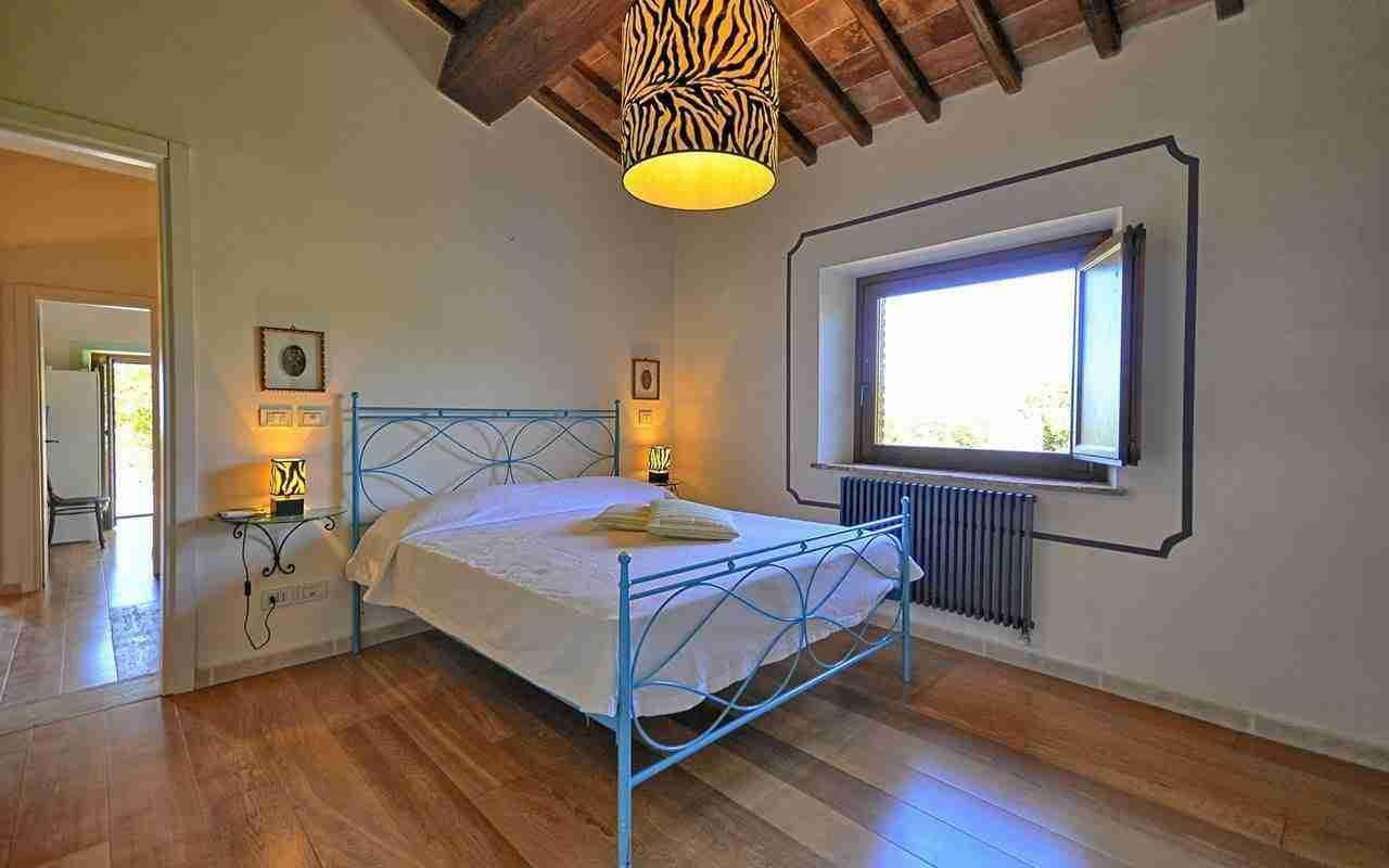 14 Perugini twin bedroom