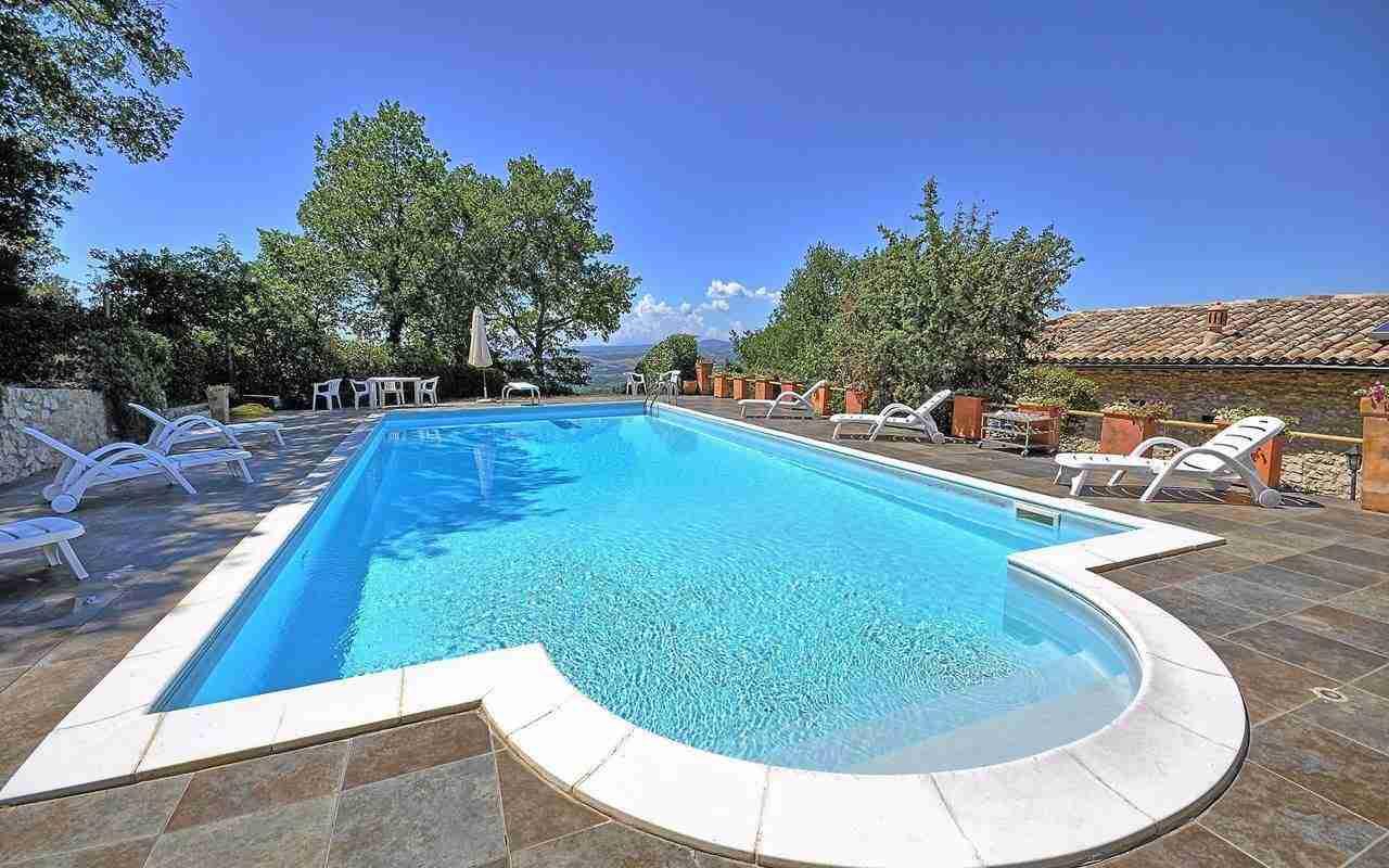 1 Perugini pool