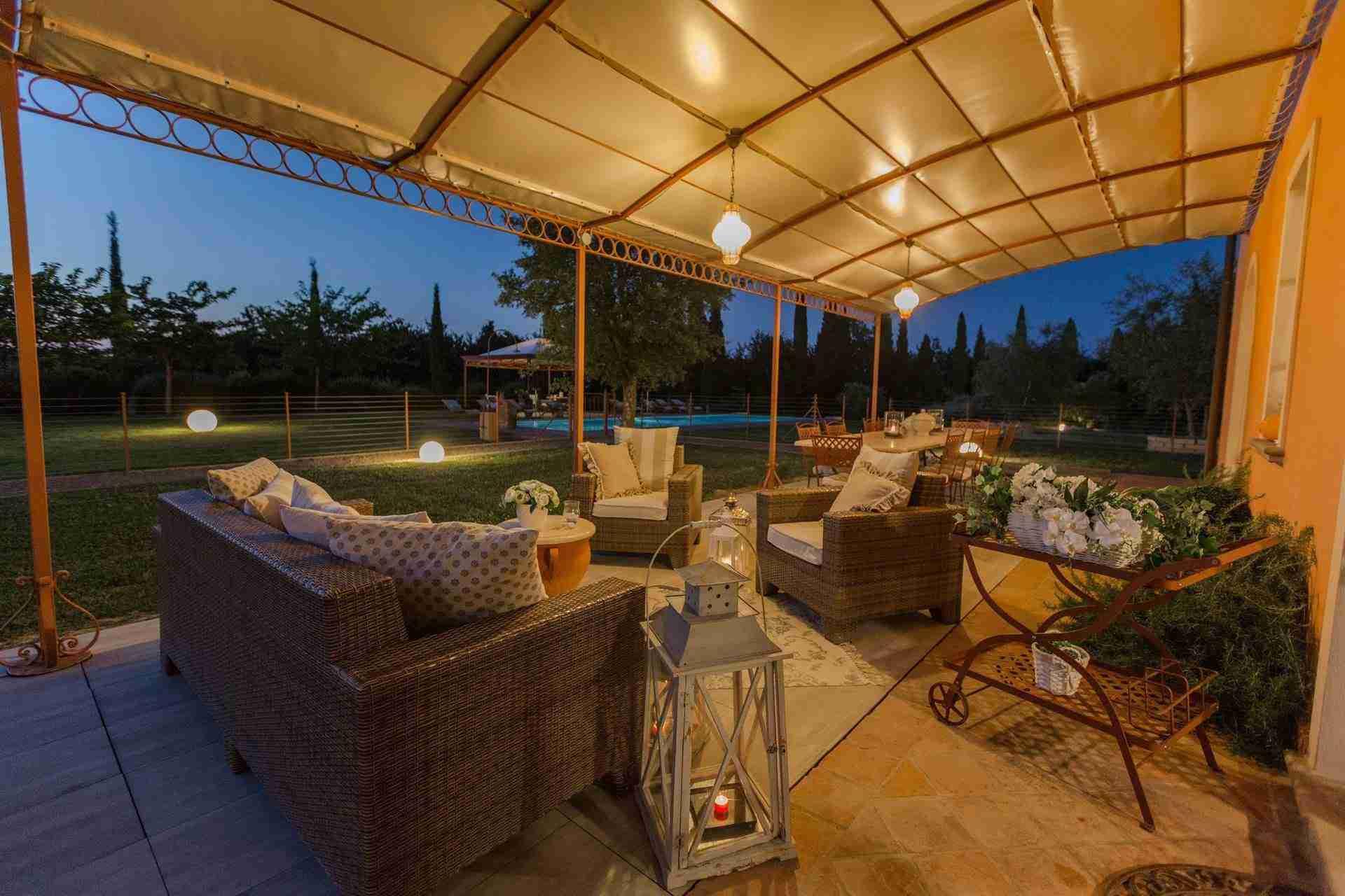 26 Dante night veranda