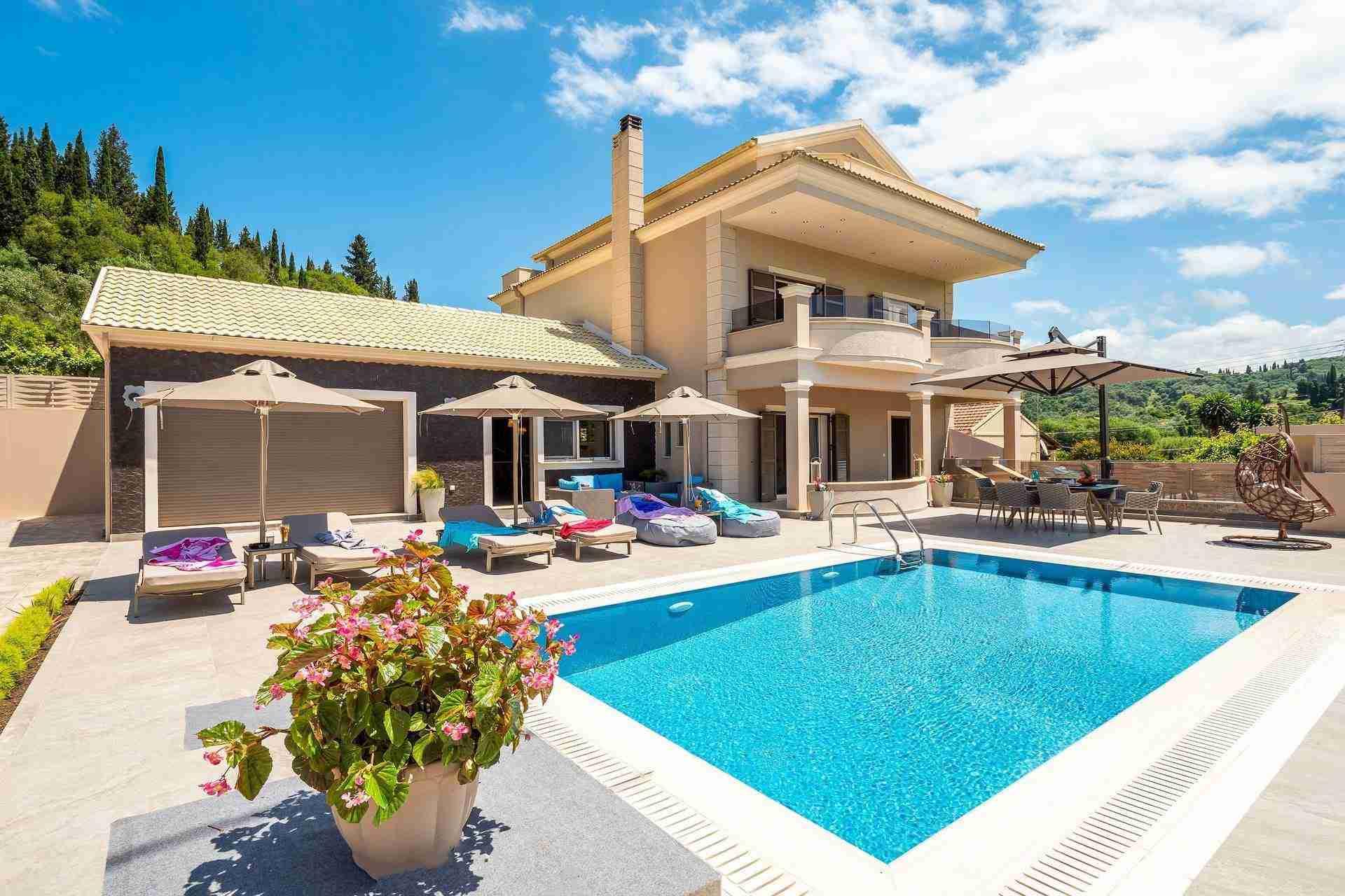 1 Petra pool