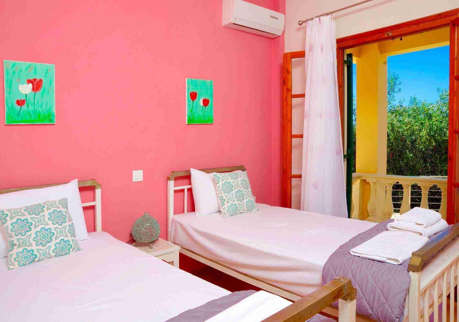 12 Hera Pink Bedroom