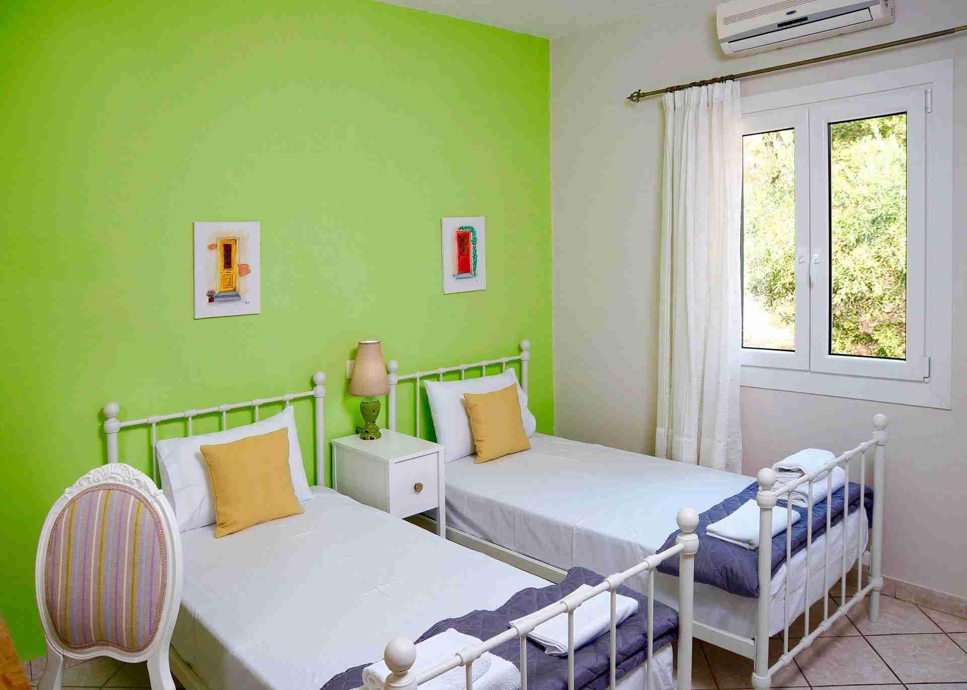 15 Hera Green Bedroom