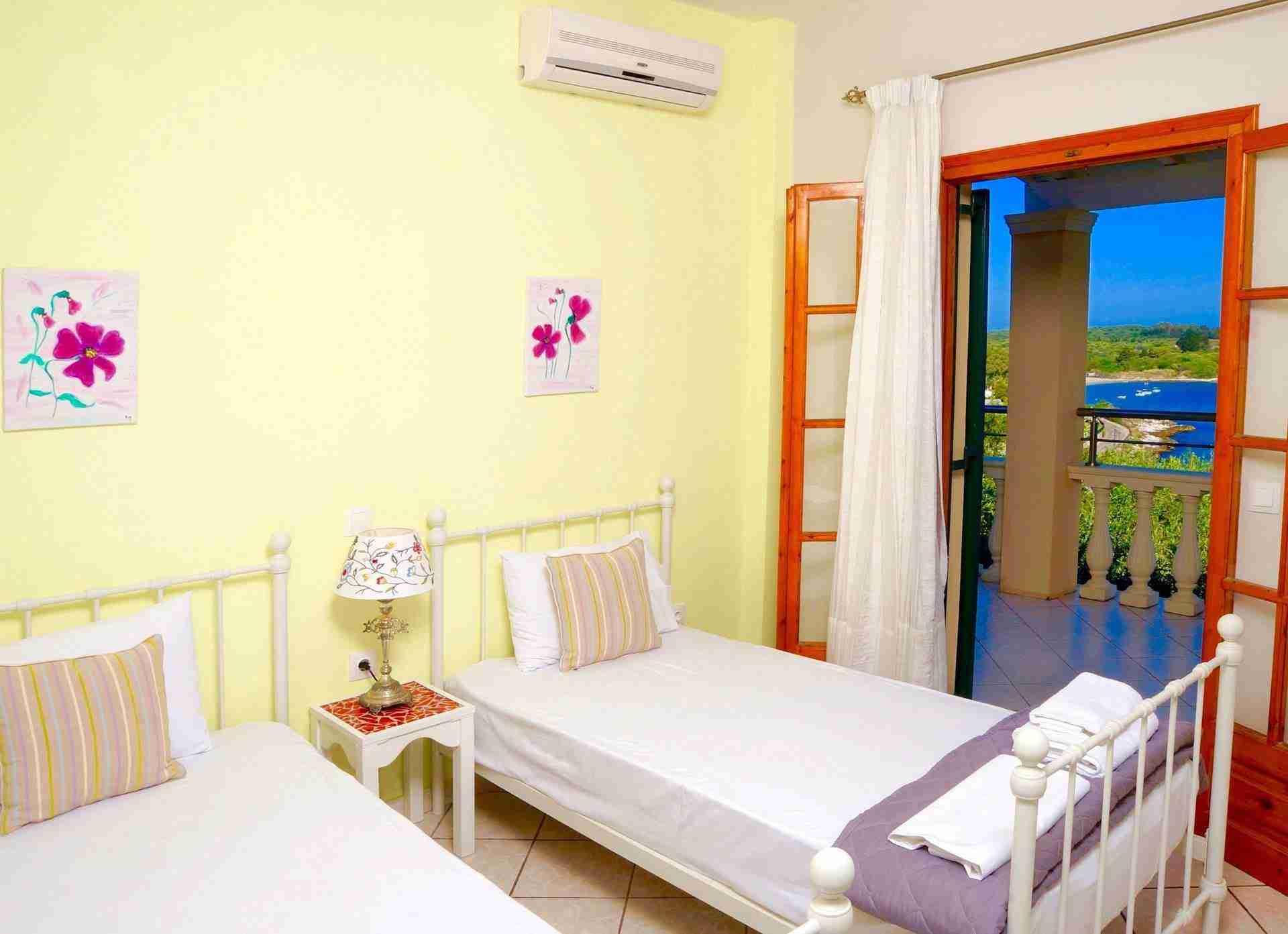 14 Hera Soft Yellow Bedroom